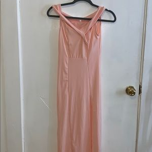 Long light pink dress with open leg